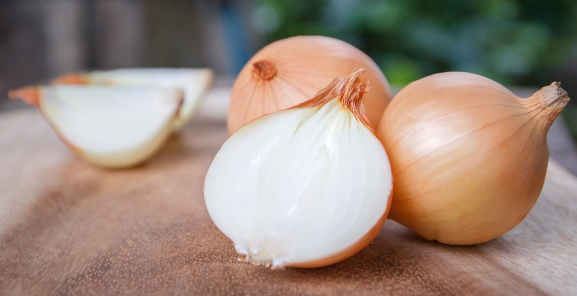 Maintaining the Freshness and the Longevity of Onions by Storing Them the Best Way-min