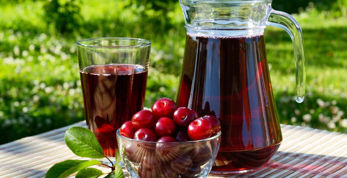 The Incredible Benefits of Cherry Juice-min