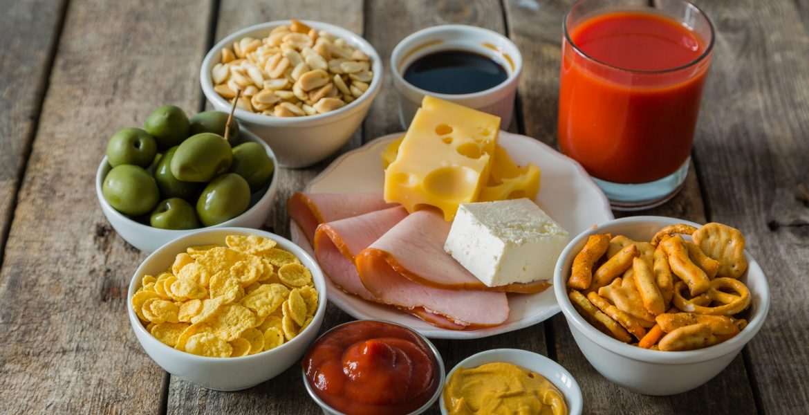 FOODS RICH IN SODIUM AND WHAT TO EAT INSTEAD-min