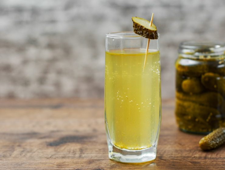 HEALTH BENEFITS OF DRINKING PICKLE JUICE-min