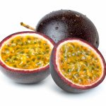 HOW TO EAT PASSION FRUITS AND THEIR BENEFITS-min