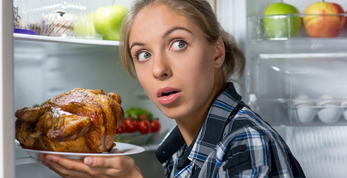 HOW TO TELL WHETHER YOUR CHICKEN IS BAD-min