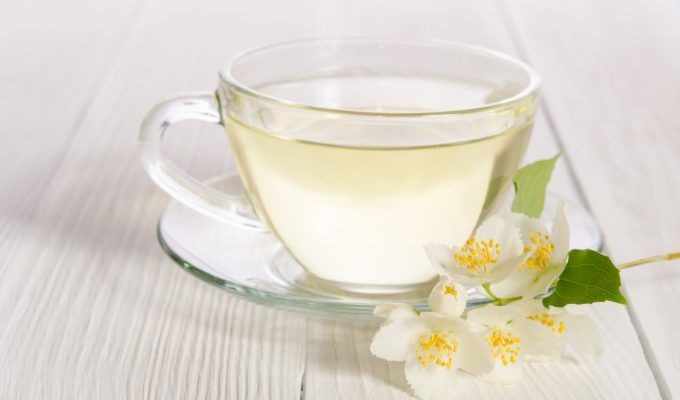 WHY YOU SHOULD DRINK WHITE TEA-min